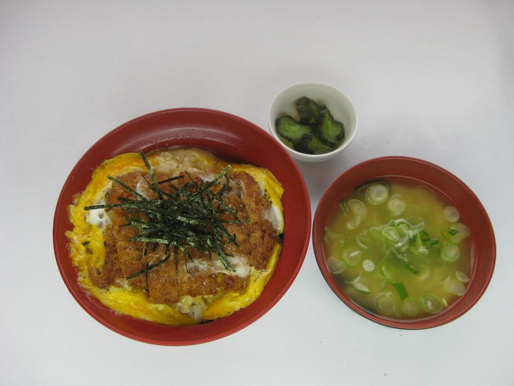 新湊食堂のメニュー紹介